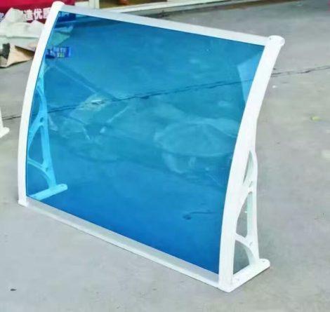 Előtető polikarbonát 120x100 Fehér keret víztiszta kék polikarbonát lap például bejárati ajtó vagy a