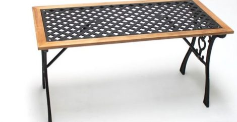 Kerti padhoz rácsos asztal öntöttvas kerettel 115 x 55 cm