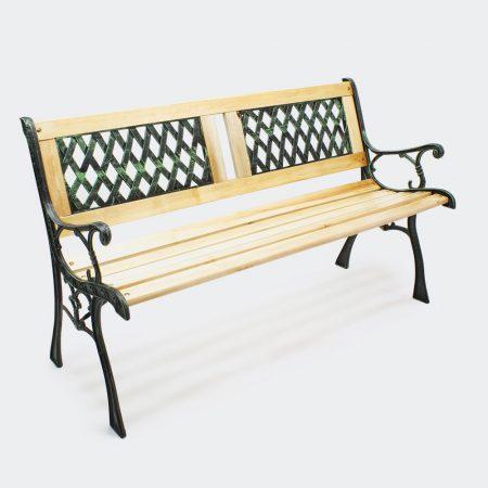 Kovácsoltcas kerti pad díszes háttámlával és fa ülőkével öntöttvas kerettel és betéttel