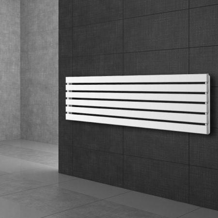 Modern formatervezésű radiátor 370x1800mm fehér színben, különleges hosszított és keskenyített desig